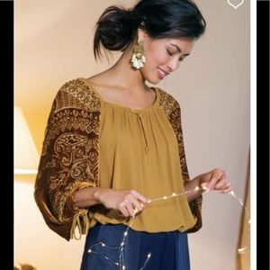 Soft Surroundings Barrymore peasant Blouse gold